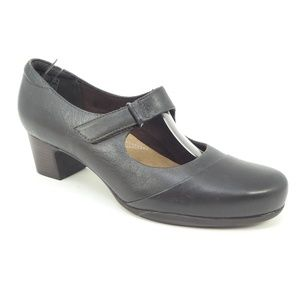 Clarks Artisan Brown Leather Mary Jane Heels
